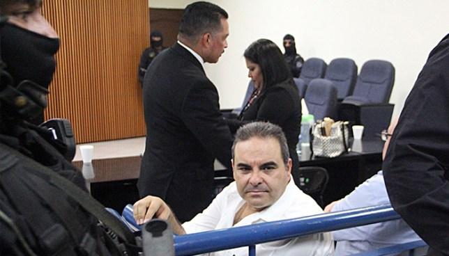 Aplazan audiencia preliminar contra expresidente Saca acusado de lavado de dinero