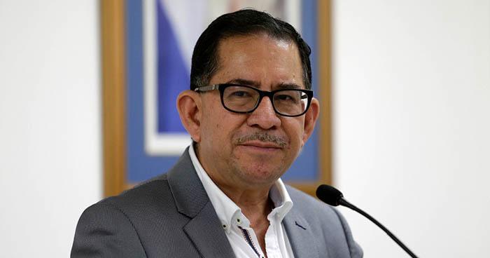 Eugenio Chicas renuncia al FMLN por el proceso de calumnia contra Nayib Bukele