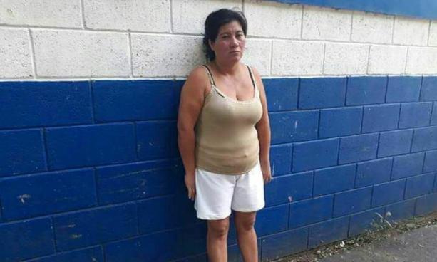 PNC captura a una extorsionista en Santo Domingo de Guzmán, Sonsonate
