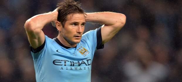"""Lampard es catalogado como machista por escribir sobre una foto """"mis dos perras"""""""