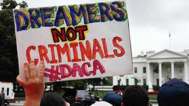 Facebook, Apple y Google lamentan y critican el fin de DACA