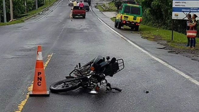 Fallece motociclista tras ser impactado por un vehículo en Nueva Granada, Usulután