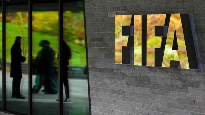 FIFA sanciona de por vida a dirigentes corruptos