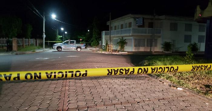 Asesinan a un hombre al interior de un vehículo en San Miguel