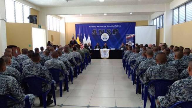 Gradúan a 60 elementos de la FES en técnicas y tácticas policiales
