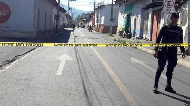 Hombre es asesinado a balazos en barrio El Calvario, San Miguel
