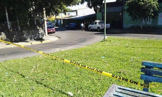 Asesinan a balazos a anciano en el barrio San Jacinto, San Salvador