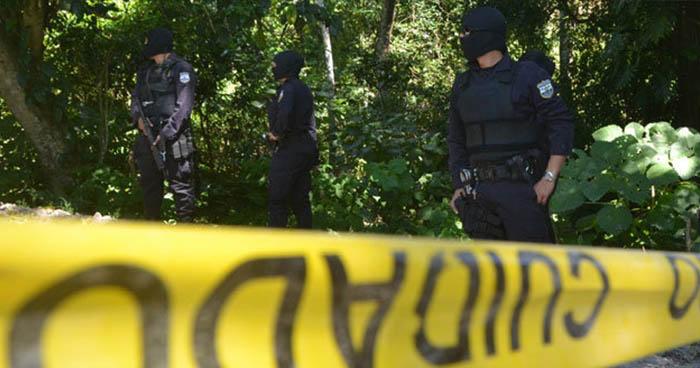 Desconocidos raptan y ejecutan a machetazos a pandillero de 17 años en Izalco