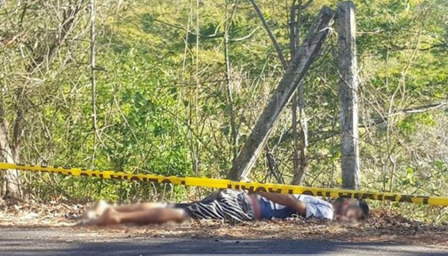 Hallan el cadáver de un pandillero en la carretera que conduce hacia la playa el Cuco