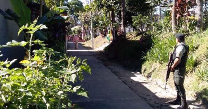 Hombre es asesinado dentro de un vehículo en Santa Tecla, La Libertad