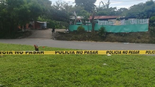 Sujetos a bordo de una motocicleta matan a un pandillero en San Pedro Perulapán