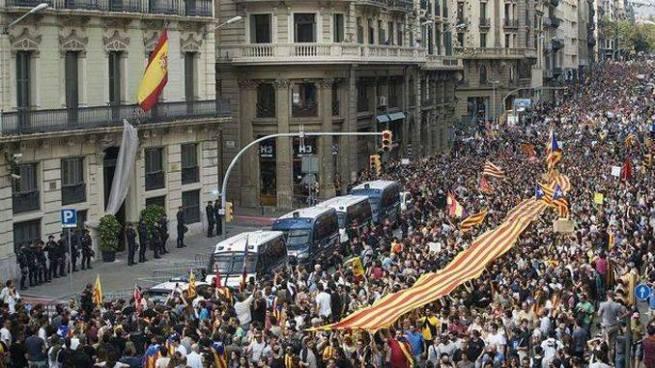 Cataluña a huelga por actuación policial del pasado domingo