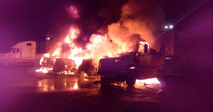 Incendio consume cuatro cabezales y dos contenedores en aduana de Santa Ana