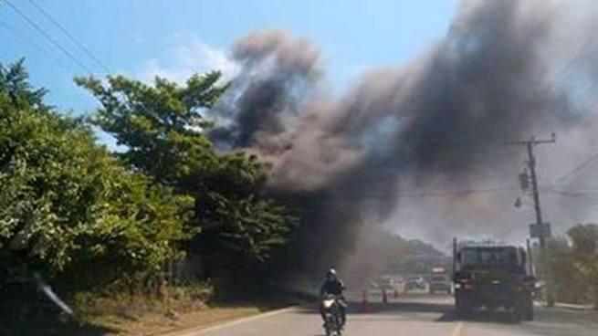 Se incendia gasolinera en Nueva Concepción, Chalatenango