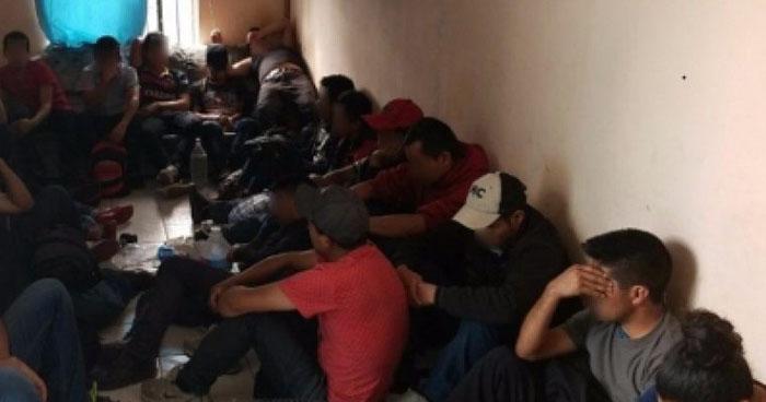 Rescatan a migrantes salvadoreños escondidos en condiciones extremas en Texas