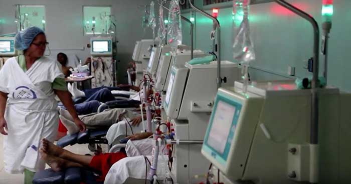 Sala ampara a derechohabientes del ISSS que padecen de insuficiencia renal