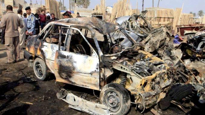 Más de una docena muertos por atentado con cochebomba en Irak
