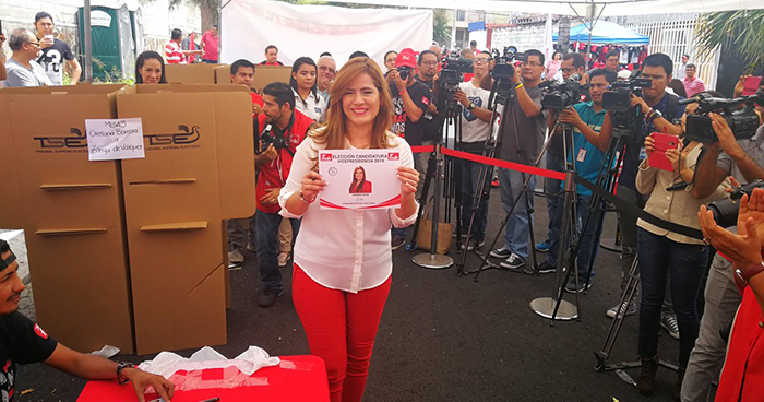 FMLN ratifica a Karina Sosa como candidata a la vicepresidencia de la República