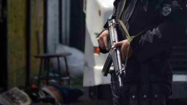 Sujetos a bordo de un vehículo asesinan a balazos a un hombre en San Pablo Tacachico