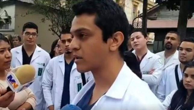 Médicos del Hospital Rosales denuncian que llevan tres meses sin recibir salarios