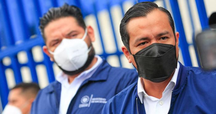Ministro de Hacienda presenta tres nuevos avisos por evasión fiscal que rondan los $900 mil