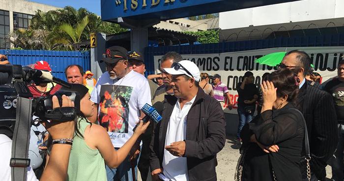 Organizaciones sociales y veteranos de guerra muestran su apoyo a Raúl Mijango
