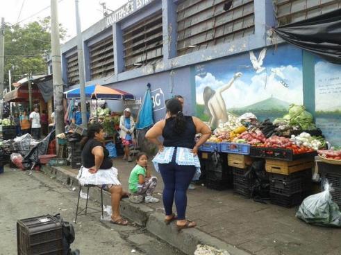Pandilleros aumentaban $10 semanales a la renta de vendedores de Cojutepeque