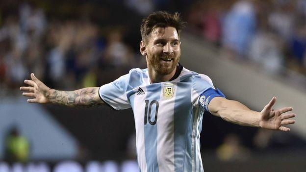 La FIFA le levanta la sanción y la multa a Messi
