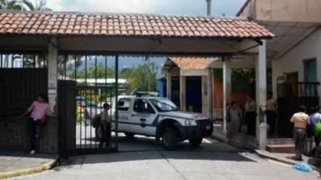 Joven muere en Hospital Zacamil tras ser atacado por pandilleros en Mejicanos por no ser de la zona