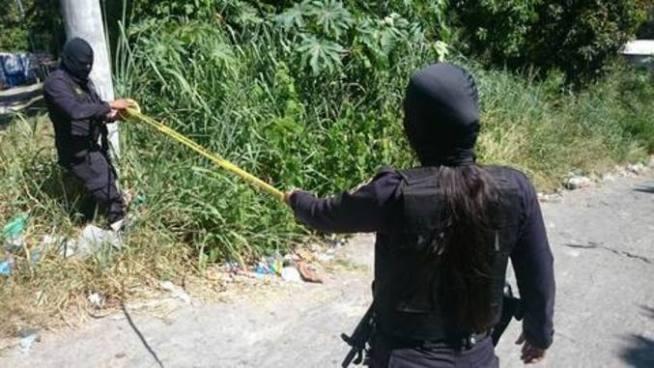 Mueren dos pandilleros en tiroteo con agentes de la PNC en una cancha de fútbol en Tenancingo