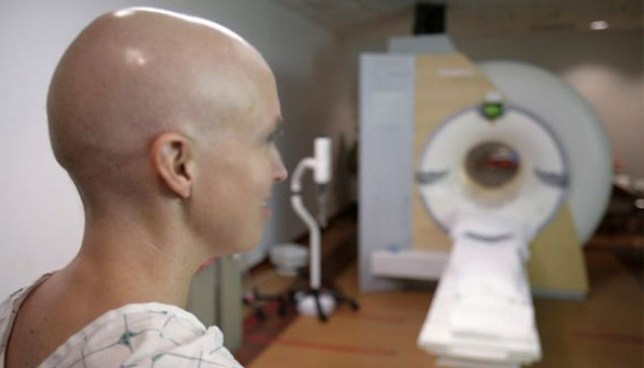 Sala ordena al Ministerio de Salud brindar tratamiento médico a paciente con cáncer de mama