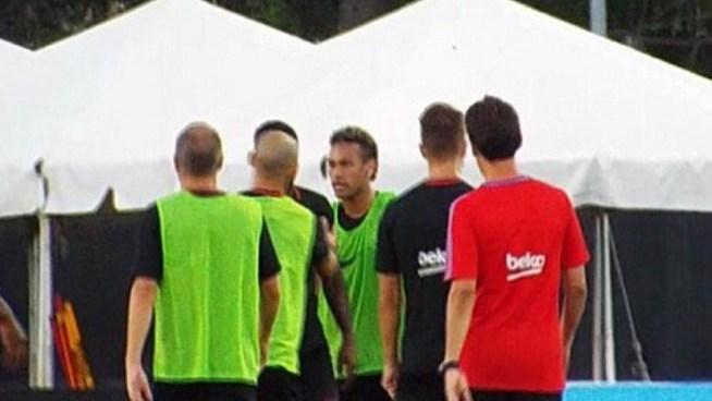 Neymar abandona entrenamiento del Barça tras pelea con Semedo