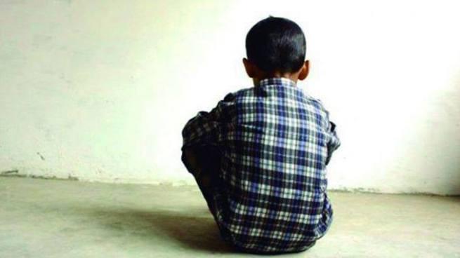 Mujer contactó a niño de 10 años por Facebook para luego violarlo