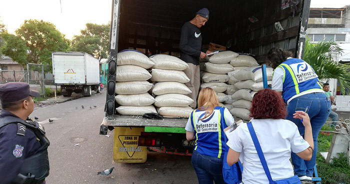 Defensoría del Consumidor verifica que vendedores no aumenten precios de granos básicos
