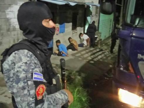 Condenan a pandilleros que asesinaron a seguridad del PARLACEN en San Salvador