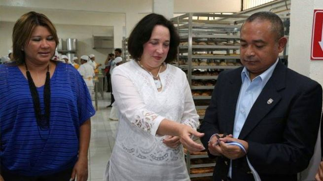 """Como parte del programa """"Yo Cambio"""" inauguran panadería en Cárcel de Mujeres"""