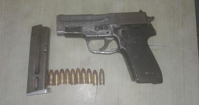 Miembro de pandilla es sorprendido portando un arma de fuego en Soyapango