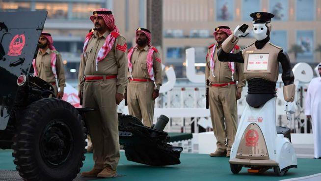Dubái presenta el primer robot policía en el mundo