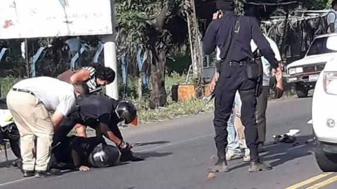 Automovilista atropella a policía y a una mujer en El Tránsito, San Miguel