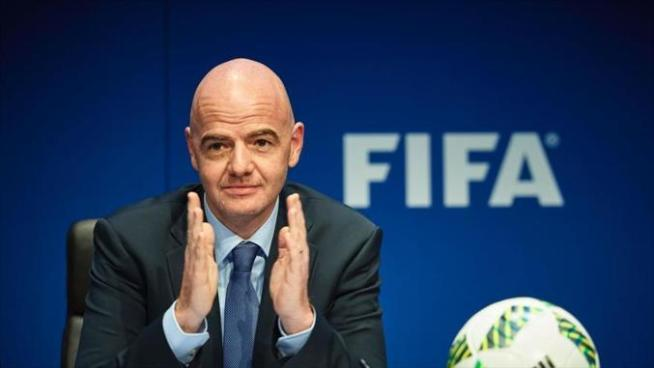 Presidente de FIFA pide videoarbitraje en todas las competiciones tras gol fantasma de Panamá