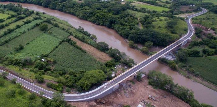 Inauguran puente El Progreso que une a San Pablo Tacachico y Nueva Concepción