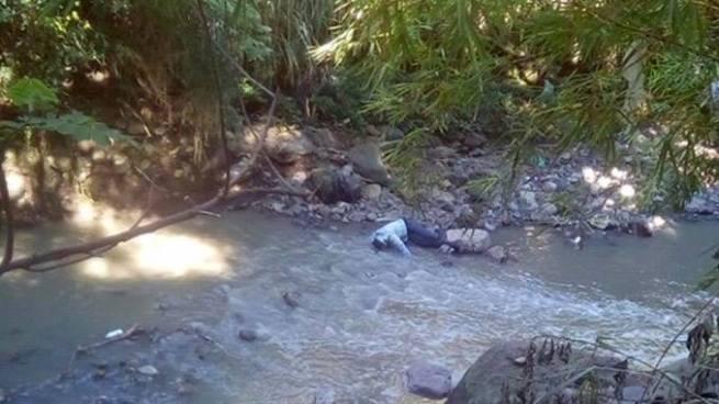 Encuentran muerto a un hombre en una quebrada de Mejicanos