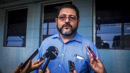Trasladan a Rodil Hernández al Juzgado Cuarto de Paz en San Salvador