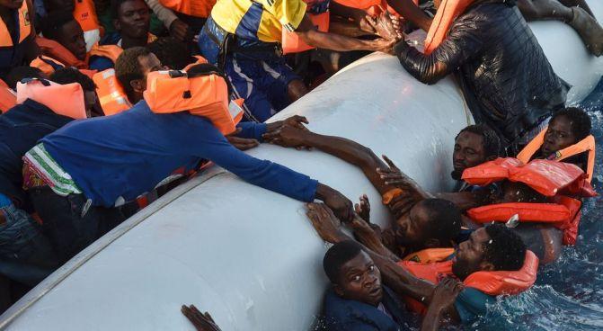 Naufragio en Libia deja 10 ahogados y decenas de desaparecidos