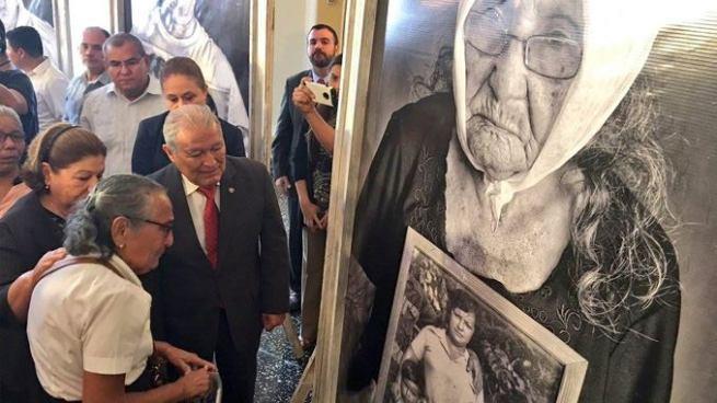 Presidente busca crear comisión para la búsqueda de desaparecidos durante la guerra