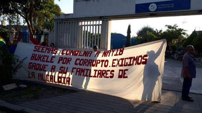 Sindicato de alcaldía de San Salvador protesta por despidos de trabajadores