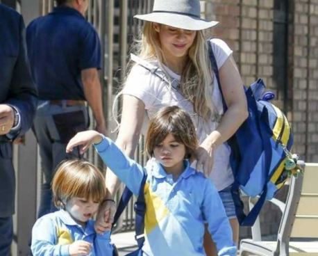 Paparazzi toma fotografías a Shakira en su faceta de madre