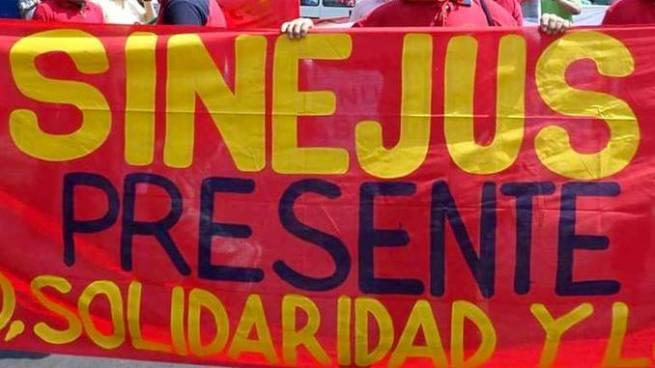 Miembros de SINEJUS exigen que les entreguen credenciales que los acredite como sindicato