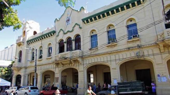 Empleados municipales de San Miguel mantienen paro de labores