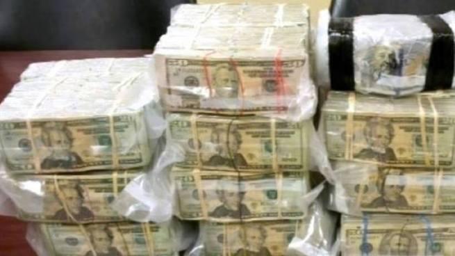 Captura a sujeto que tenía más de $55 mil dólares dentro de su casa en San Vicente